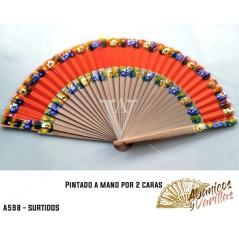 Leques fabricados em madeira Pèra e pintados a 2 caras. são servidos en cores sortidas