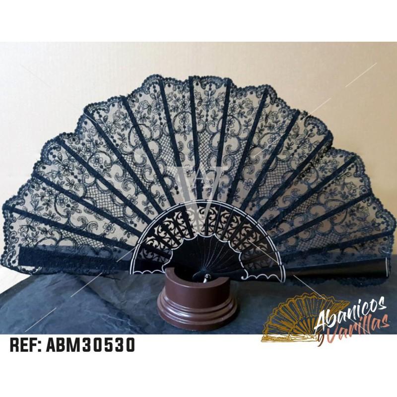 Abanico de Madera Sipo 23 cm y Tul Negro bordado