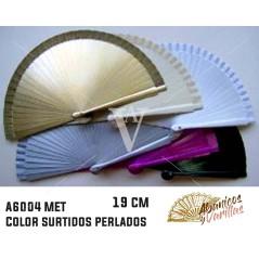 Abanico de madera de 19 cm pintados perlados y servidos en 6 colores surtidos