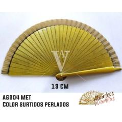 Abanico dorado perlado de madera de 19 cm pintados perlados y servidos en 6 colores surtidos